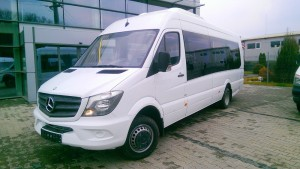 mercedes_sprinter_long_19_seater1
